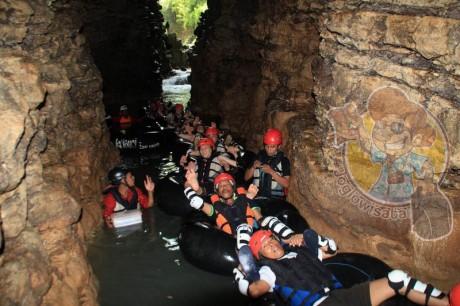 Cave Tubing di Goa Kali Suci