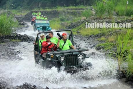 Paket Wisata Jogja Solo Semarang 4 Hari 3 Malam