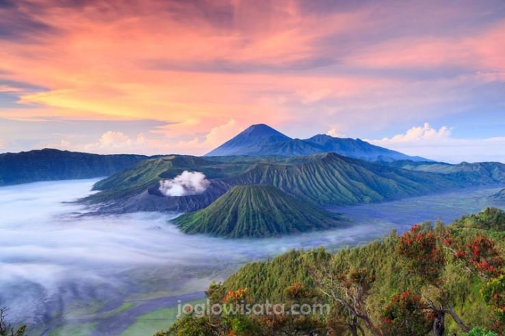 Paket Wisata Jogja Malang (Plus Gunung Bromo dan Batu)