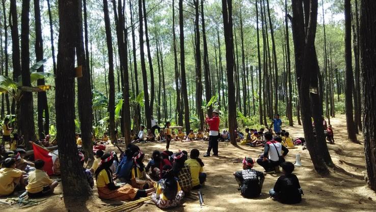 Berlibur ke Hitan Pinus Puncak Becici