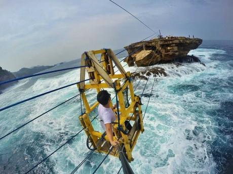 Yuk Kunjungi Pantai Timang, Yogyakarta!
