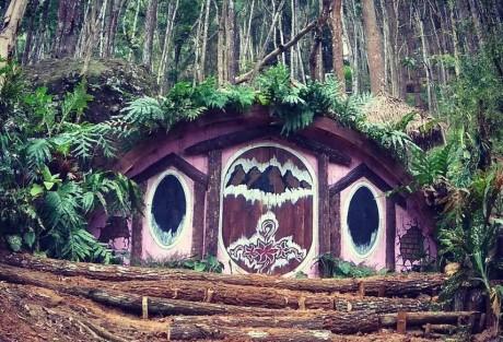 Dua Obyek Wisata Rumah Hobbit yang Sedang Populer di Jogja