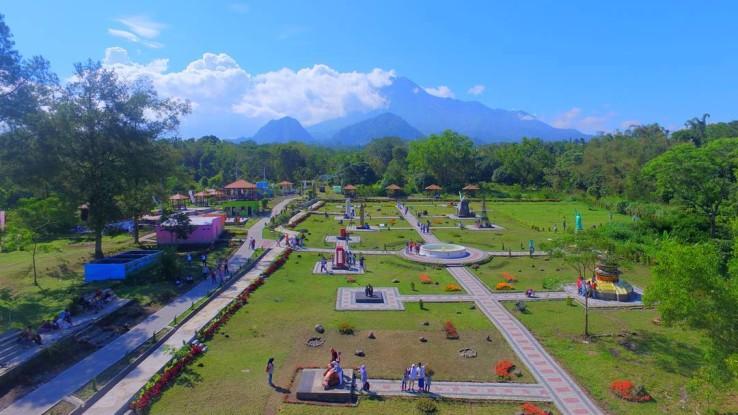 The World Landmarks Kaliurang Objek Wisata Instagramable Di Jogja Joglo Wisata