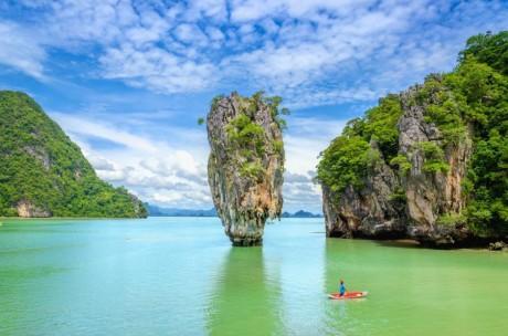 Berpetualang ke James Bond Island: Pulau Karang Lokasi Syuting Film Hollywood