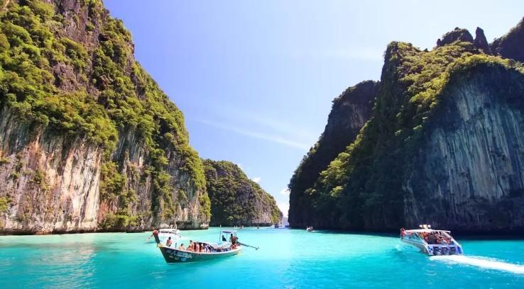 Serunya Liburan di Phi Phi Island Thailand.