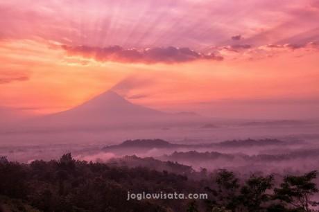 10 Tempat Cantik Menyambut Sunrise di Jogja dan Magelang