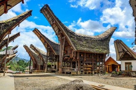 Paket Wisata Makassar – Toraja 3 Hari 2 Malam