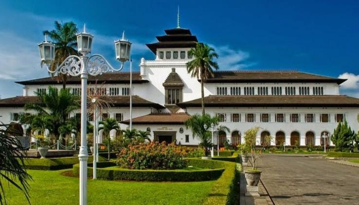 8 Hotel Instagramable Di Bandung 2020