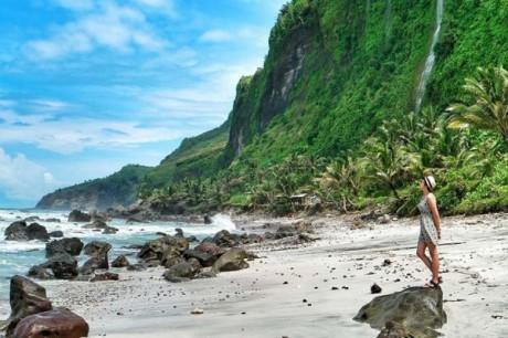 Panorama Elok Pantai Menganti Kebumen yang Instagrammable