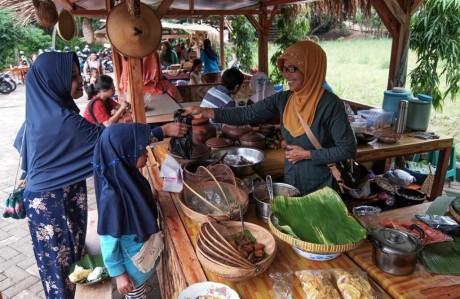 Pasar Kaki Langit Mangunan, Destinasi Wisata Kuliner Terhits di Jogja