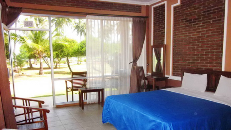 Menginap Murah di Escape Beach Hotel Karimunjawa