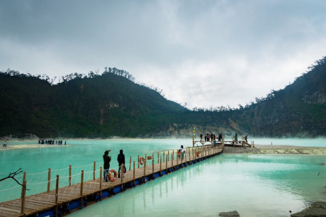 10 Spot Wisata Alam di Bandung yang Wajib Dikunjungi