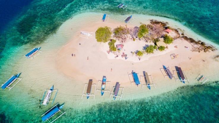 Paket Wisata Lombok Termasuk Tiket Pesawat dari Jakarta