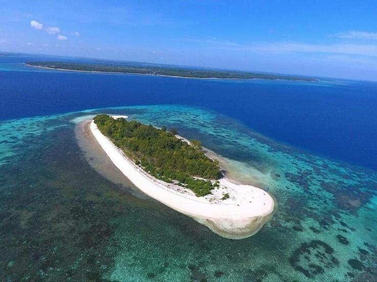 Tidak Perlu Ke Luar Negeri, Ini Dia 21 Destinasi Wisata Di Maluku Yang Menakjubkan!