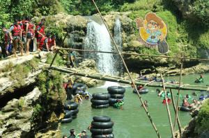 PT Saka Indonesia Pangkah Limited - River Tubing Kali Oya