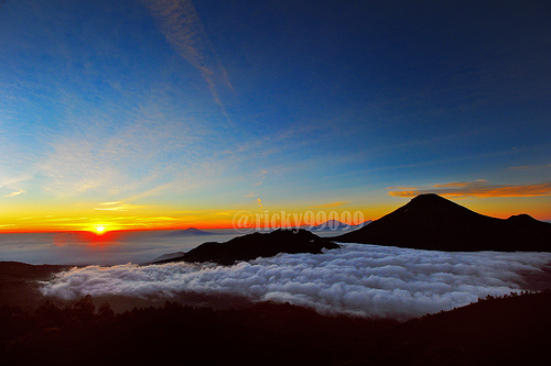 Sunrise at Sikunir hill
