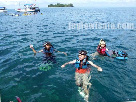 Paket Wisata Jogja Karimunjawa - Snorkling