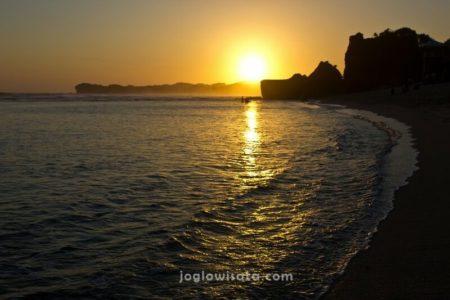 Pantai Indrayanti Sunset