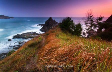 Pantai Watu Lumbung Sunset