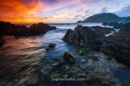 Pantai Wediombo Sunset, Jogja