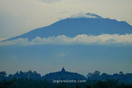 Candi Borobudur - Gunung Merbabu