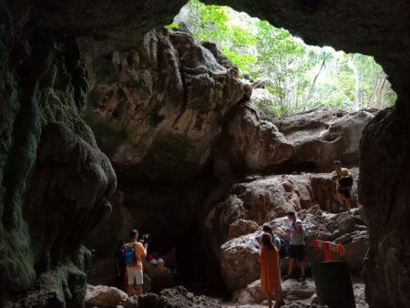Goa Batu Cermin Labuan Bajo